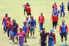 त्रिवि अन्तर्राष्ट्रिय क्रिकेट मैदान कीर्तिपुरमा प्रशिक्षणमा सहभागी नेपाली राष्ट्रिय क्रिकेट टिमको खेलाडी । रोशन सापकोटा/रासस