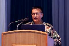 नेपाली सेना जनसम्पर्क तथा सूचना निर्देशनालयद्वारा शुक्रबार जंगीअड्डामा आयोजित पत्रकार सम्मेलनमा तराई मधेश द्रुत मार्ग निर्माणसम्बन्धी वार्षिक प्रगति विवरण प्रस्तुत गर्दै आयोजना प्रमुख विकाश प