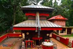 ललितपुर जिल्लाको गोदावरी नगरपालिका ११ मा रहेको बज्रवाराही मन्दिर । तस्बिरः संगम श्रेष्ठ / शब्दपाटी ।